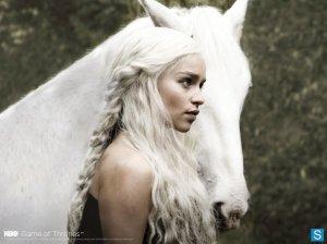 daenerys-001-wide_595_slogo